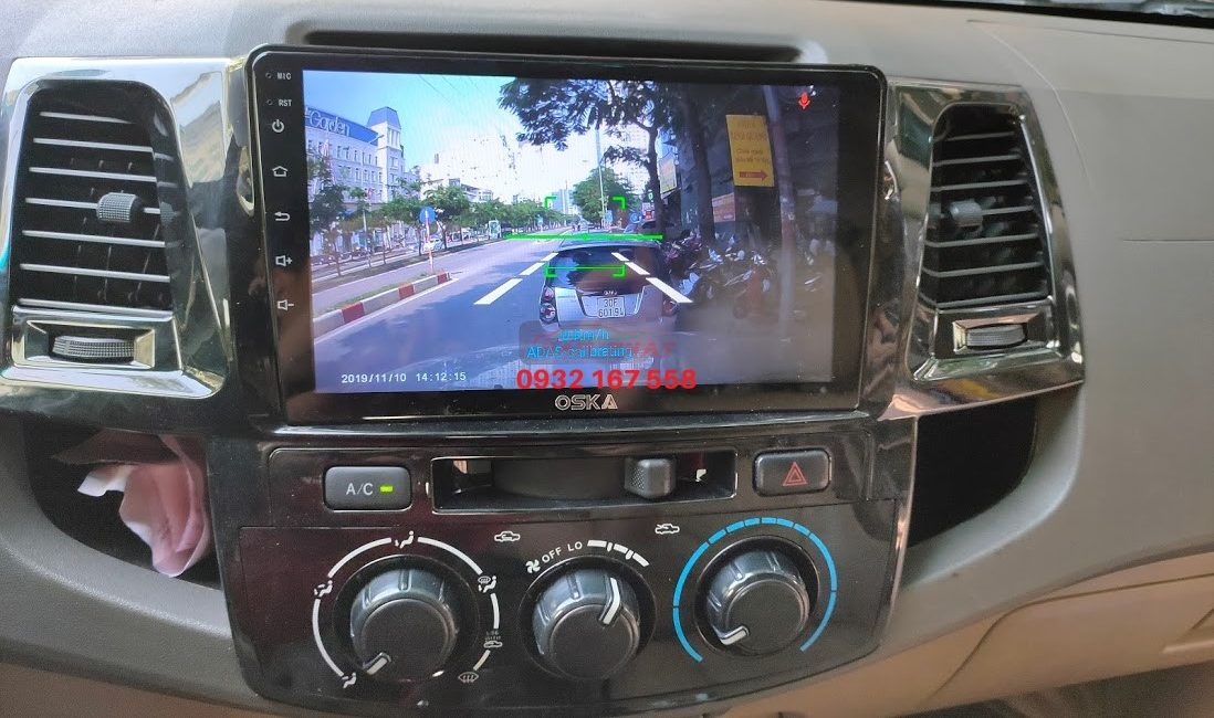 Màn hình Android cho Toyota Hilux